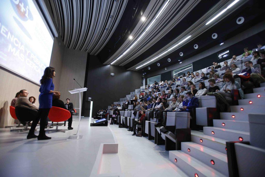 Debate igualdad en la ciencia